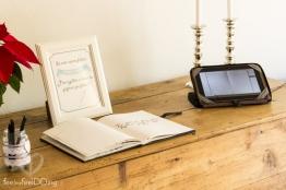 Libro de firmas y videoinvitación. Regalo personalizado para los inivtados. (Foto de Fotos NO: Juan Miguel Pla Jorrín y Maribel Mata)