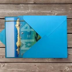 Detalle de gama cromática sobre + tarjetón, inspirada en los azules de Menorca.
