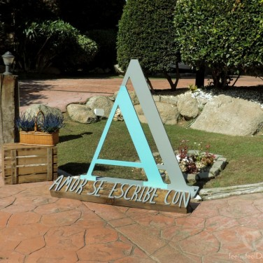 La bienvenida de la boda, con la doble A maclada del AAmor que escriben Ana + Alberto cada día.