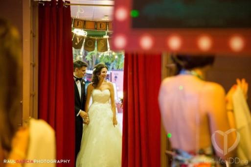 La entrada al comedor a través de las cortinas rojas era muy cinematográfica!